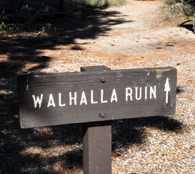 Walhalla Ruin Trail Sign